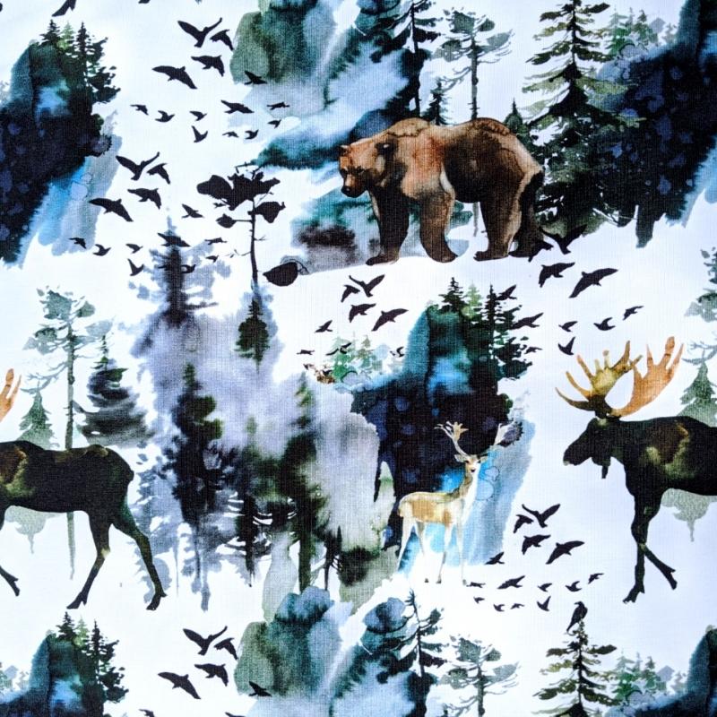 Puuvillatrikotaaž digiprindiga põder ja karu valgel GOTS