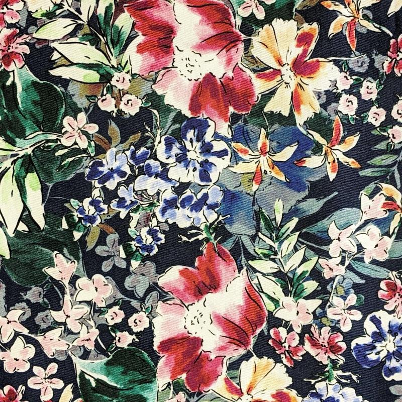 Stretš puuvillasatiin lilled tumesinisel
