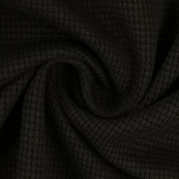 must vahel trikotaaž.jpg